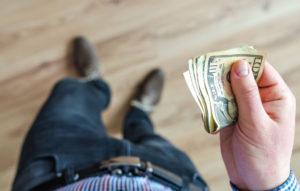 Как накопить деньги на квартиру или машину при маленькой зарплате