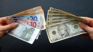 Как зарабатывать на долларах в России