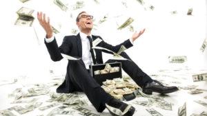 Какая средняя зарплата у юриста в месяц и год