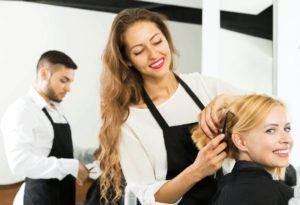 Какая зарплата у парикмахера в России