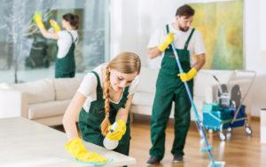 Какая зарплата у уборщицы в России