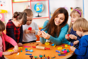 Какая зарплата у воспитателя детского сада в 2019 году