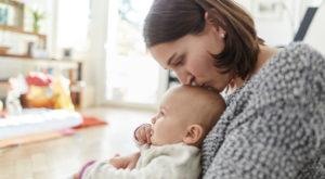 Сколько получают матери-одиночки в России