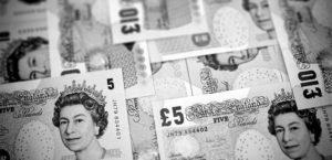 Сколько составляет средняя зарплата в Англии