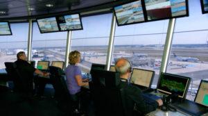 Средняя зарплата авиадиспетчера в России