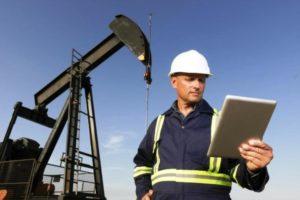 Какая зарплата у нефтяника в России