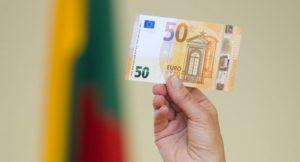 Какие зарплаты получают в Литве в 2019 году