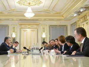 Какую зарплату получает посол в России