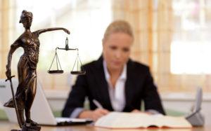 Средняя зарплата адвоката в России