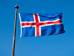 Какая средняя зарплата в Исландии