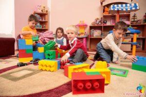 Какая зарплата у няни в детском саду