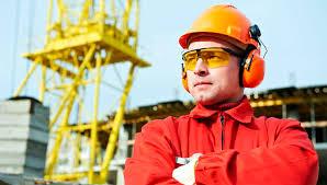 Какую зарплату получает строитель в России