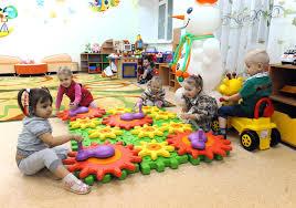 Зарплаты в детском саду в Москве и других городах