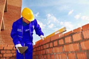 Какая зарплата у каменщика в России