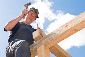 Какую зарплату получает плотник в России