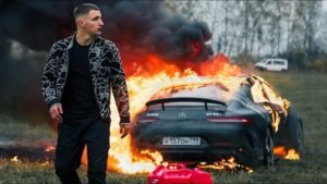 Сколько зарабатывает Михаил Литвин – знаменитый видеоблогер и стример