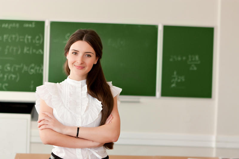 Сколько зарабатывает учитель в школе: средняя зарплата